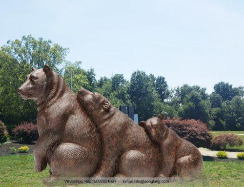 Outdoor metal cast garden Stuffed bear statue