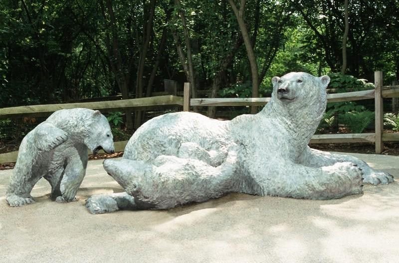 Wild animal statue of grolar bear