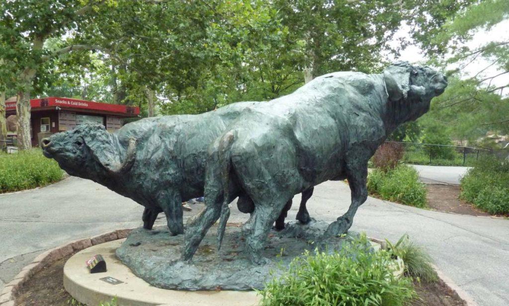 Outdoor Garden Ornament African animal cape buffalo Bronze Statue