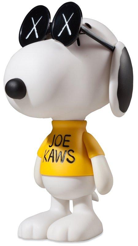 Life Size Cartoon Animal Snoopy Resin Sculpture