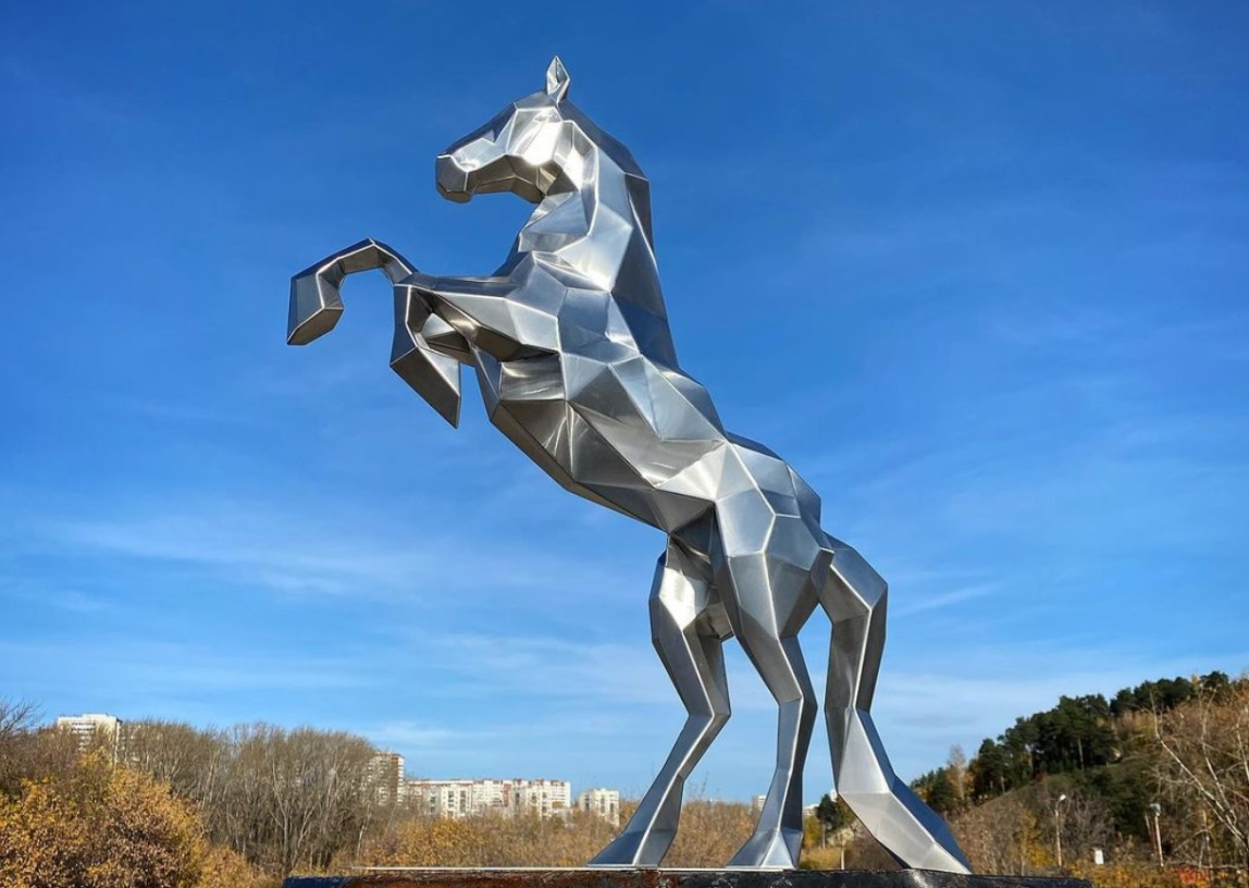 Mirror Polishing Large Art Animal Jumping Metal Horse Sculpture