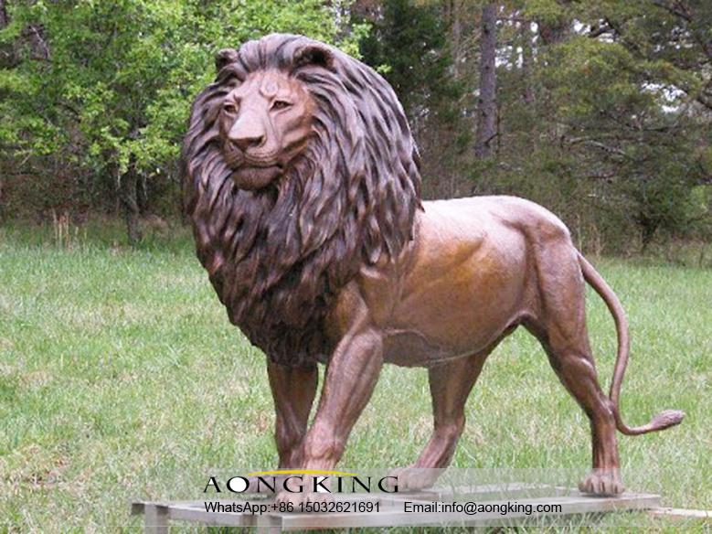 Large bronze lion lawn statues