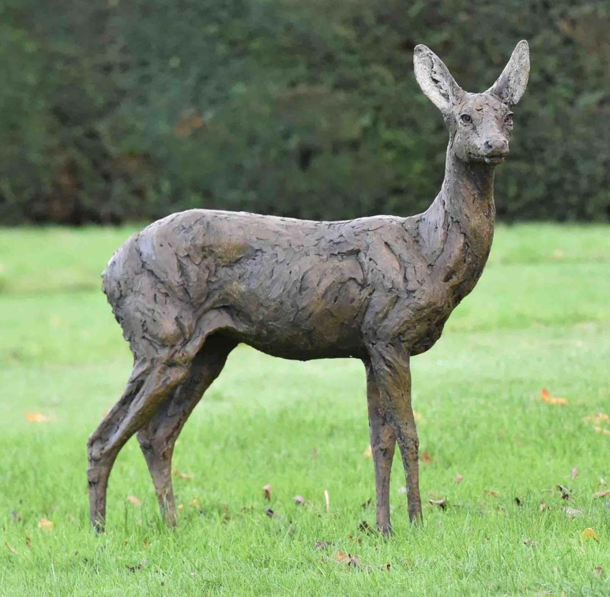 Lovely Outdoor Metal Deer Garden Ornaments Sculpture