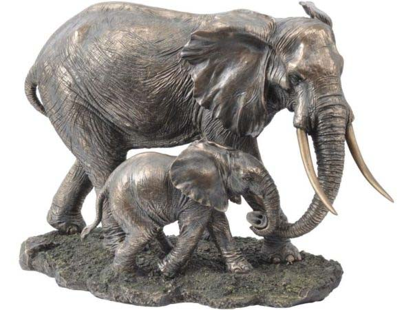 Modern Bronze Mother and Baby Elephant Figurines Yard Statues
