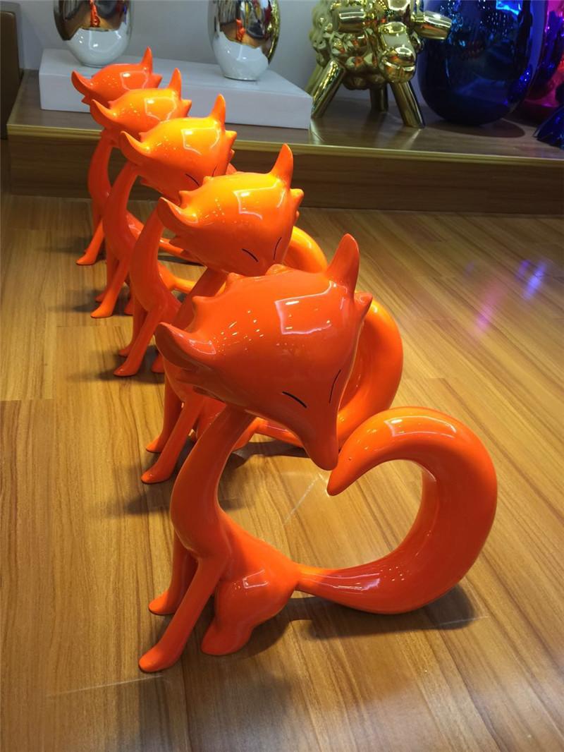 Cartoon Animal Decoration Orange Fox Resin Sculpture