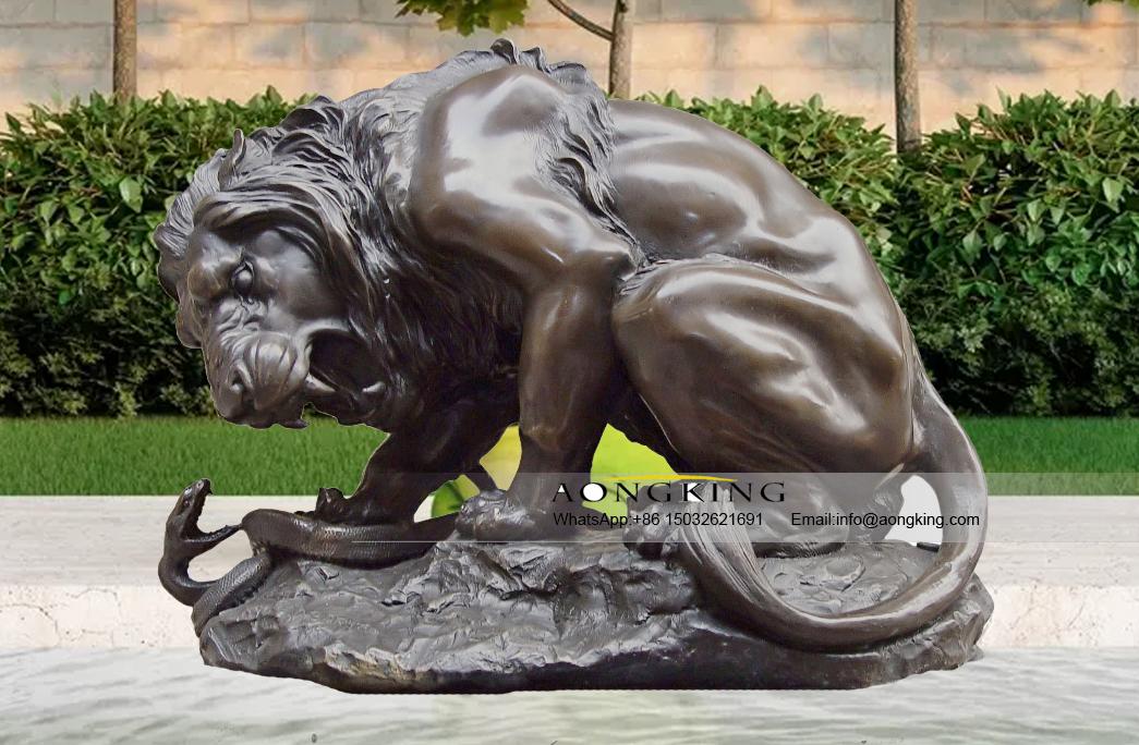 statue fighting snake