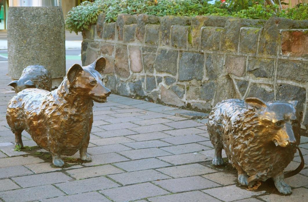 Ice Age animal design Bronze customized dog statue