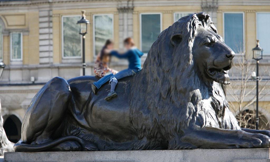 Large Outdoor Decoration Bronze Lion sculpture
