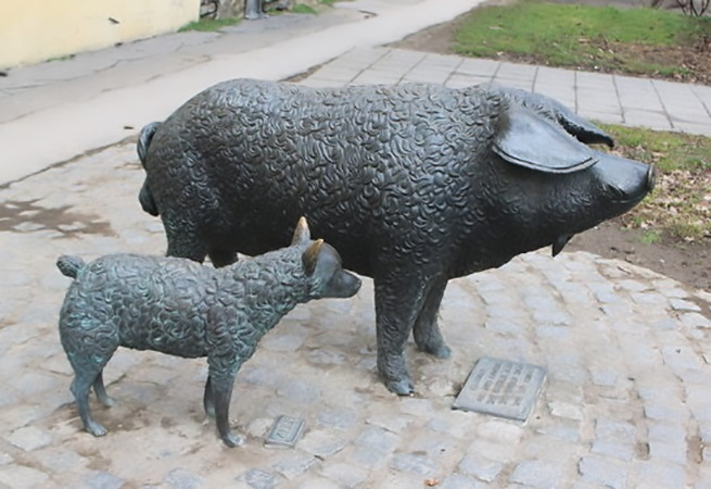 Large Standing Sow Sweet Bronze Garden Animal Sculptures of Pig
