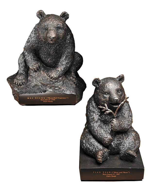 Lovely Bronze Sculptures of Panda Eating Bamboo