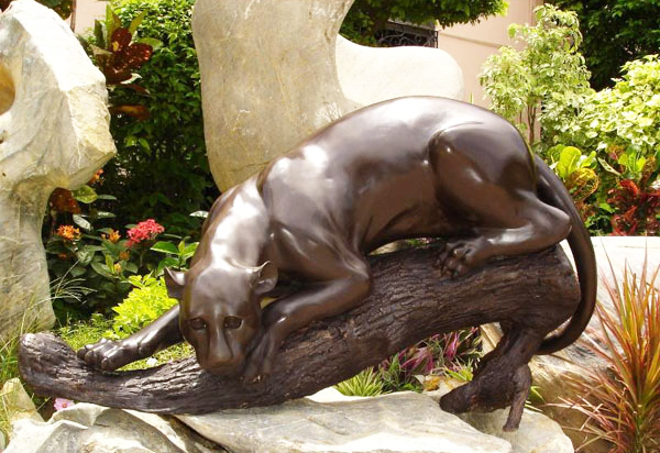 Rest on the branch of a tree leopard Bronze statue