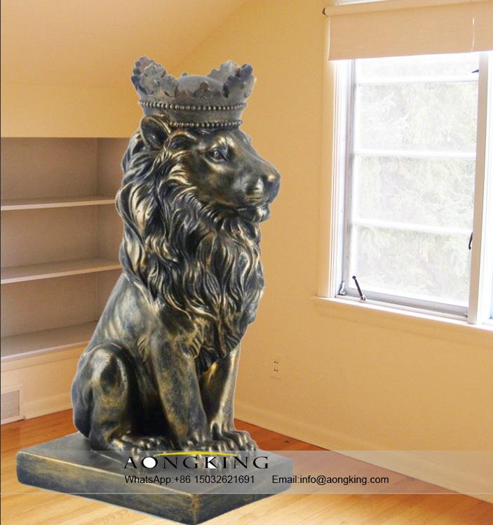 Large Life Size Sitting Bronze Decoration Animal Statue of King Lion