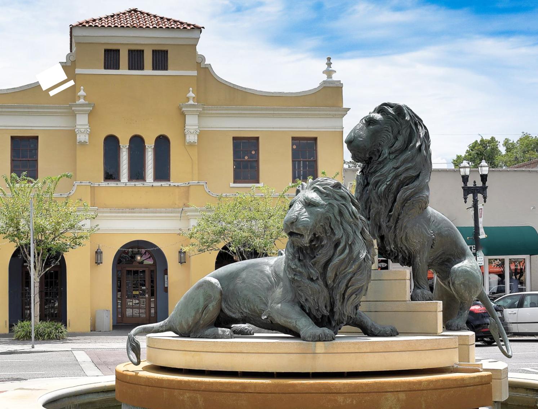 Large Outdoor Bronze Wildlife Animal Sculptures of Lion Statues