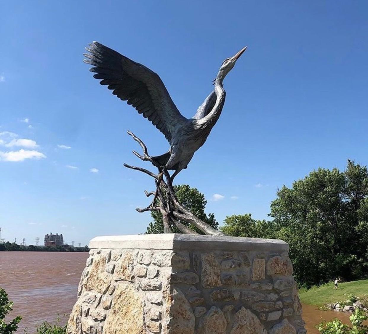 Bird statues figurines