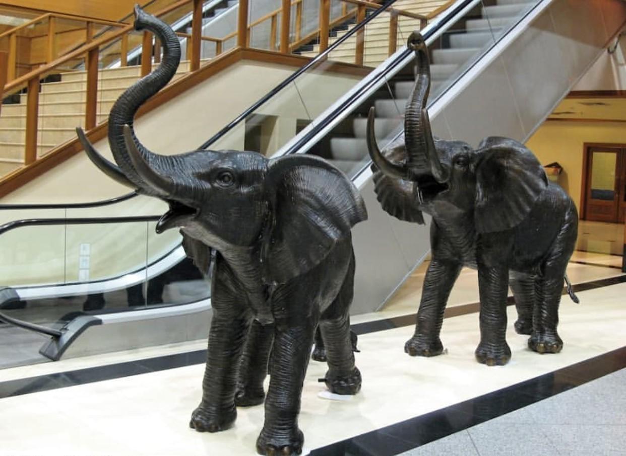 Elephant statue for home