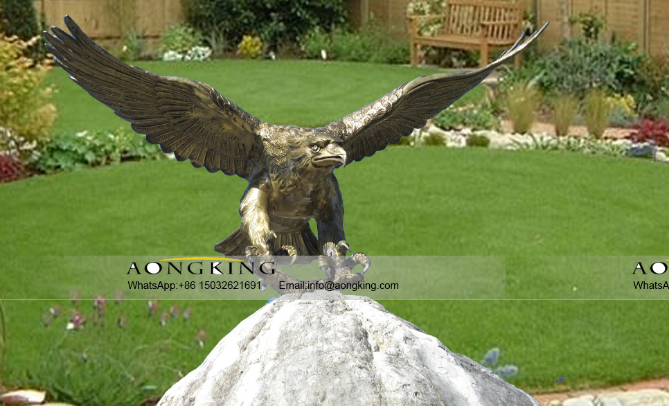 Hot selling bronze eagle with wings spread for home Patio Décor