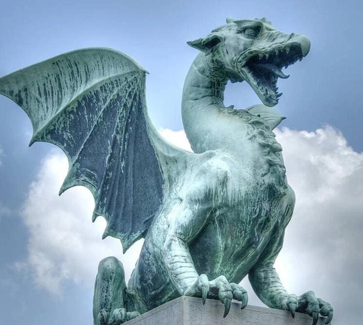 Garden dragon statues