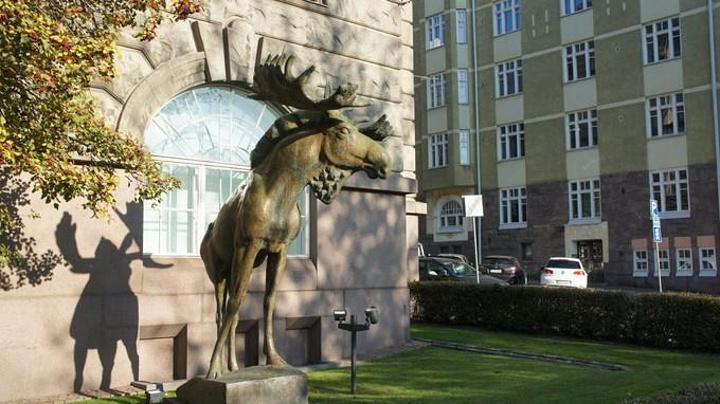 Large animal sculpture reindeer statues