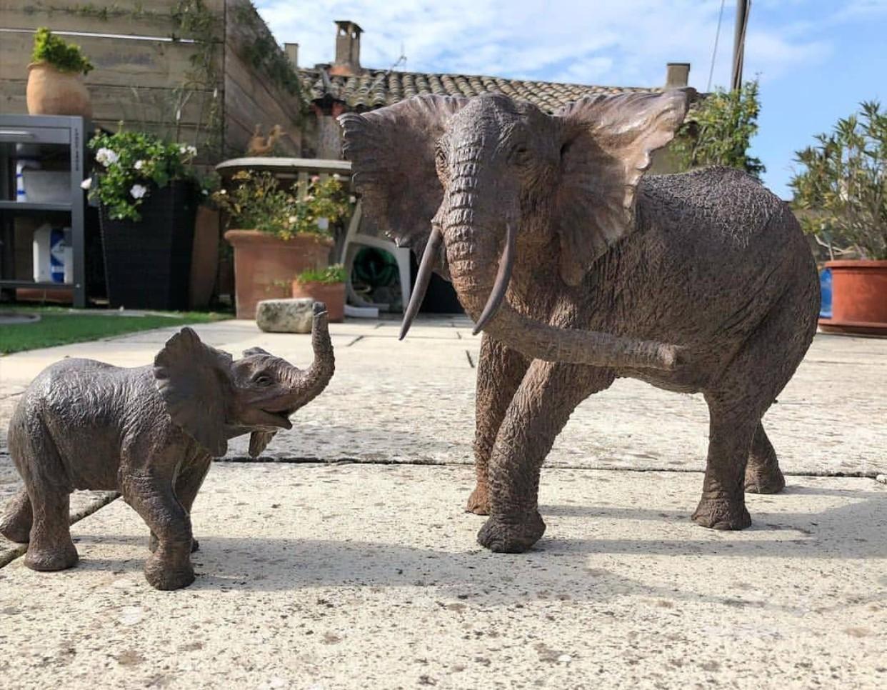 Metal elephant statue big