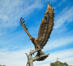 Monuments animal design, eagle statue