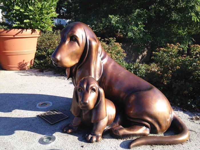 Art shop customized top sale bronze pet dog sculpture for outdoor decoration