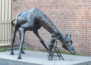 animal statue, giraffe floor statue