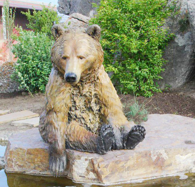 Art wild bear sculpture pool sculpture for North Carolina