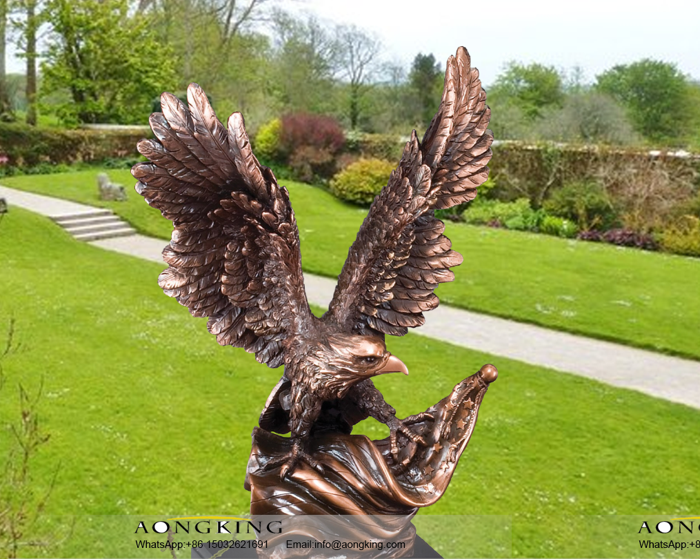 Large size bronze patina wildlife soaring spirits bald eagle for garden decoration