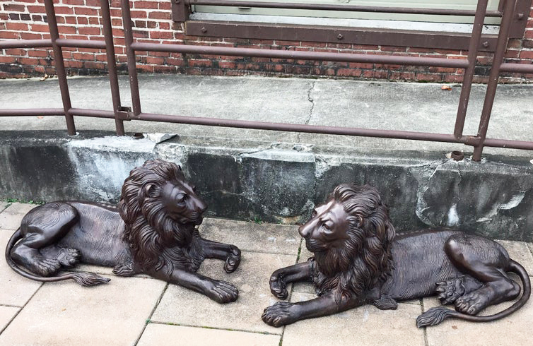 metal animal art of lion statue