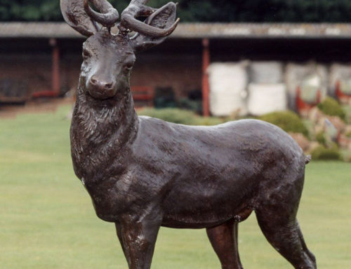 Life Size Lovely Bronze Garden Deer Sculpture