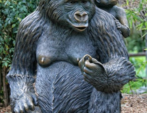 Lovely Garden Bronze Sculpture Gorilla with Baby