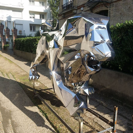 large metal animal lion sculptures