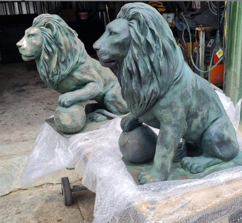 lion ornaments for the garden
