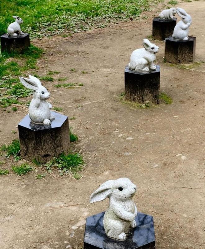 Cute Rabbit Garden Sculpture