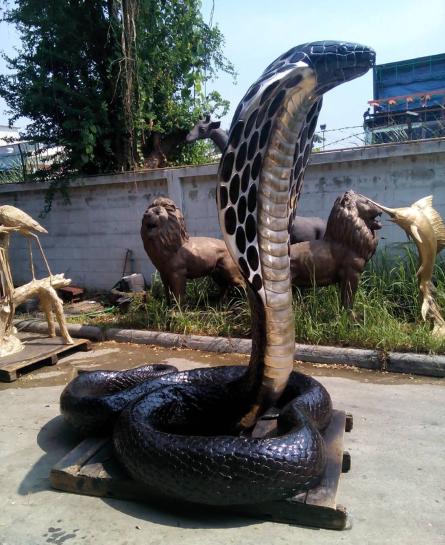 Art shop hot selling custom anaconda snake sculpture for outdoor