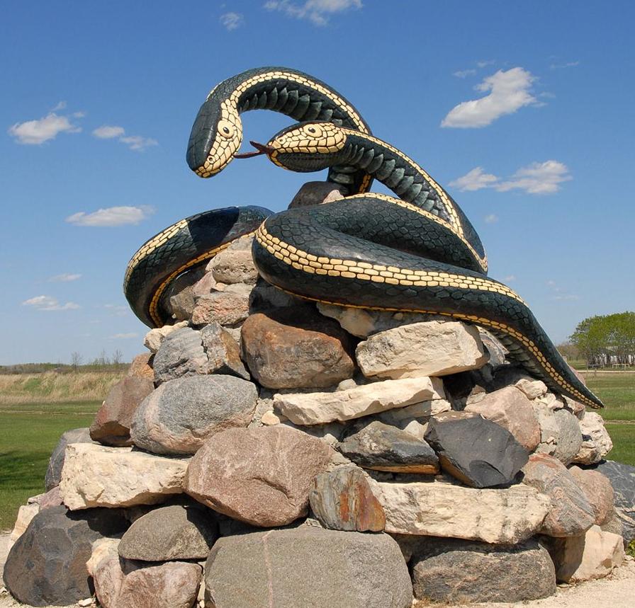 Artificial crafts top selling fiberglass garter snake sculpture
