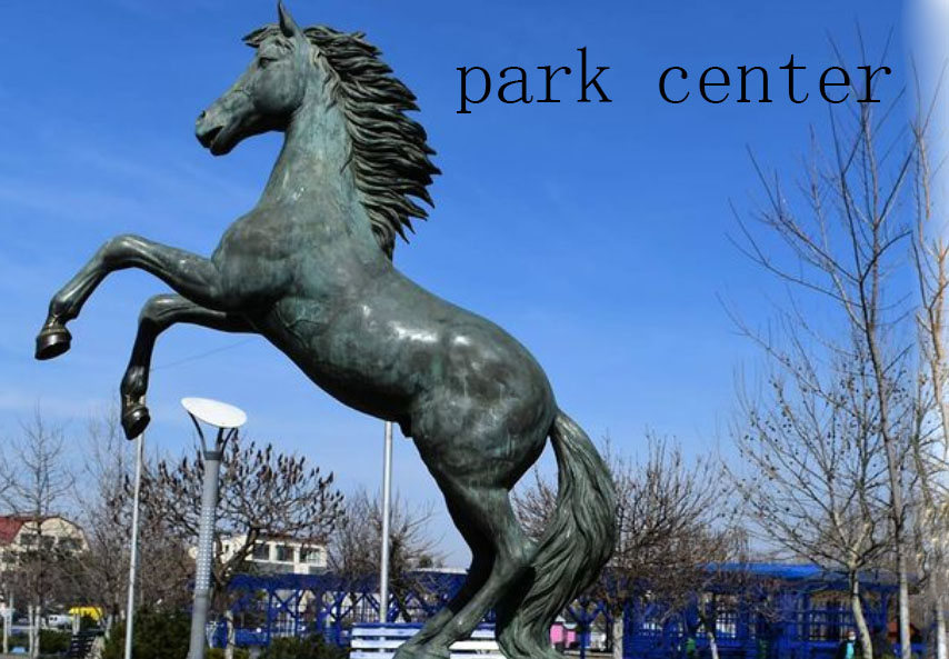 mascot horse sculpture for park center