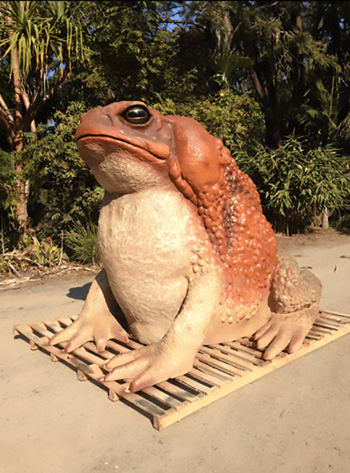 Contemporary artificial carved custom fiberglass toad sculpture for outdoor