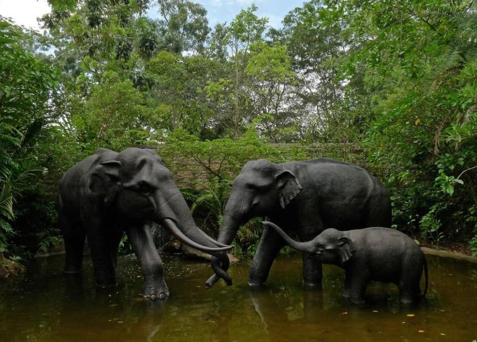 elephant family sculpture