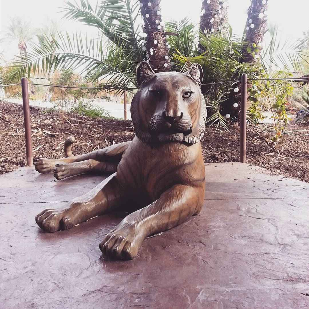 life size tiger statue