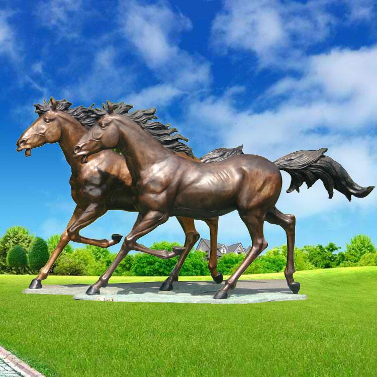 art of horse sculpture
