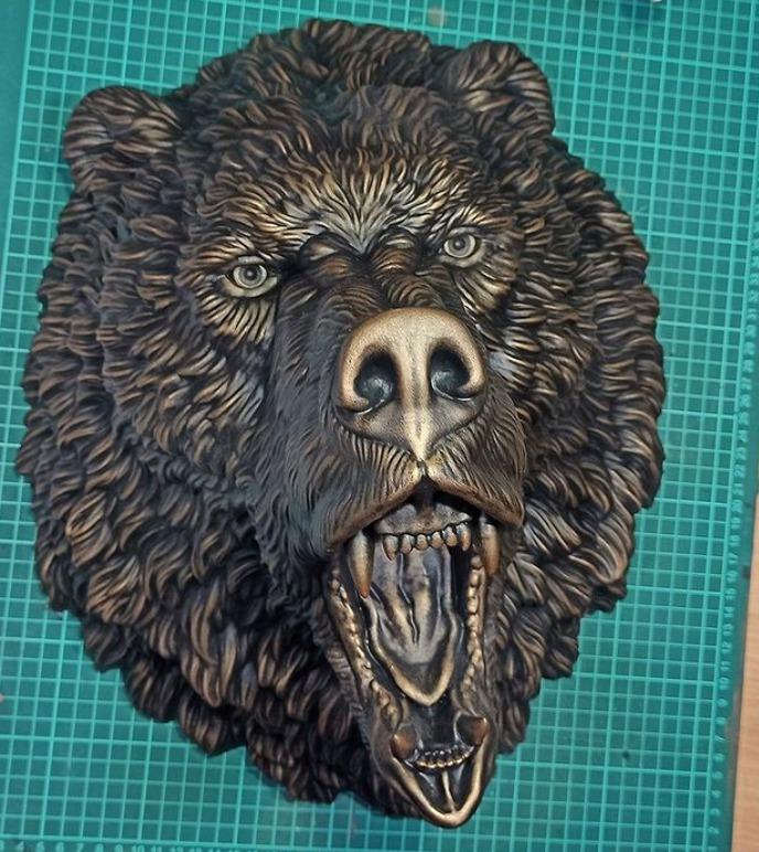 bear head statue