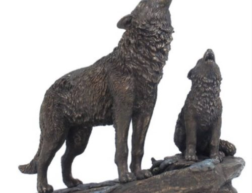 Bronze Standing Art of Wolf Statues for the Yard