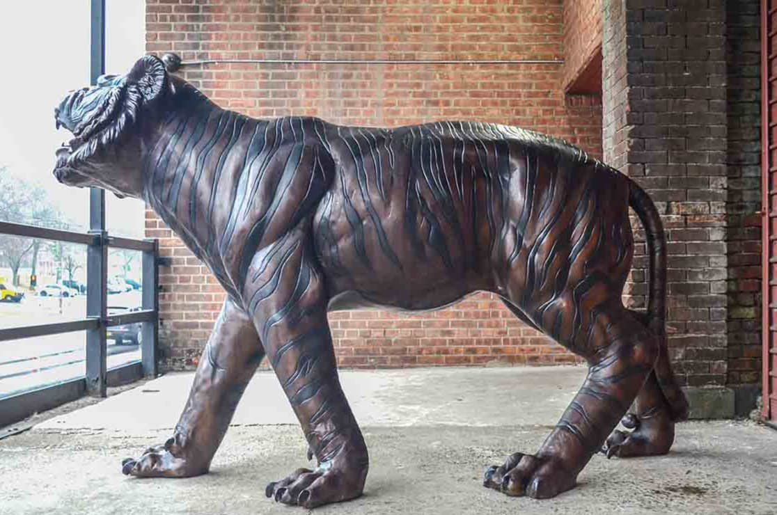 tiger statue home decor