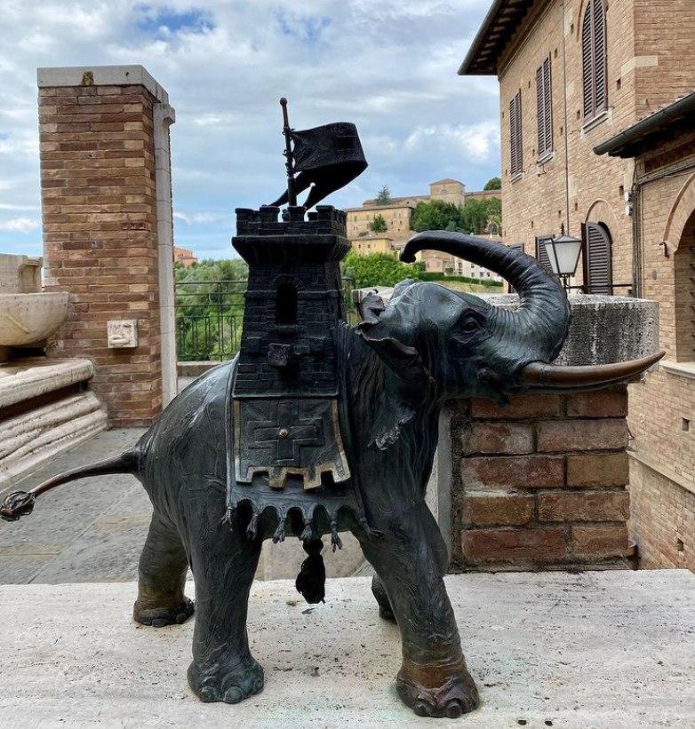 bronze elephant ornaments