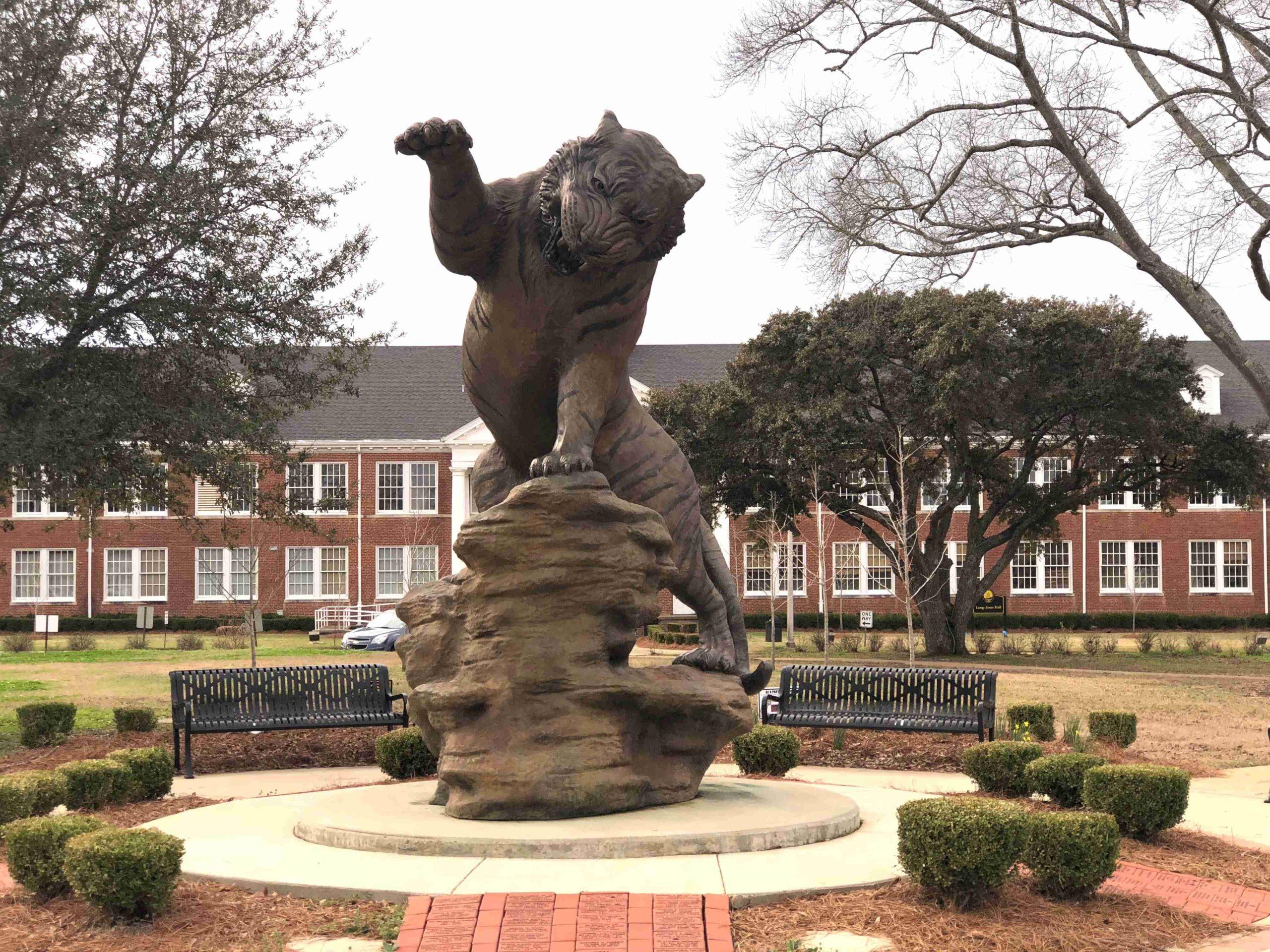 big tiger statue