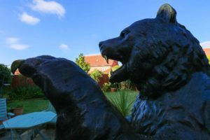 Outdoor Large Bear Statues for Sale