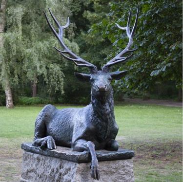 garden deer sculpture